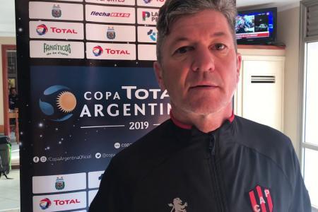Godoy Cruz oficializó la llegada de Mario Sciacqua como DT