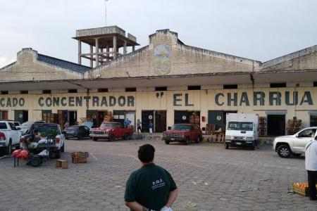 """Mercado """"El Charrúa"""""""