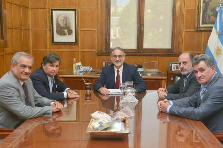 La Mesa de Enlace posterga un paro tras abrir una negociación con Basterra