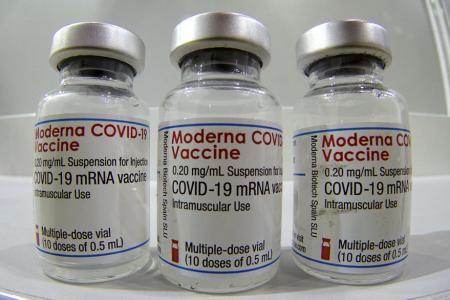 El Ministerio de Salud incluirá la vacuna de Moderna en el estudio de combinación de dosis