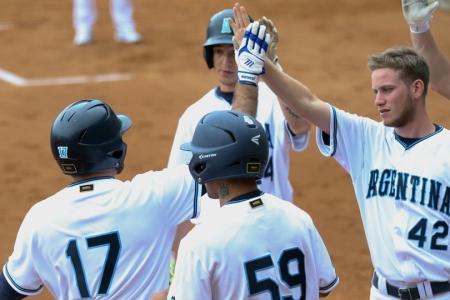 Softbol: Argentina superó al local República Checa y marcha como escolta en su grupo