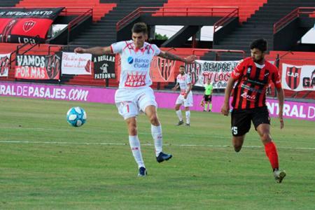 Fútbol: postergaron los tres partidos del viernes y Patronato jugará el domingo