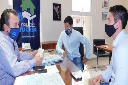 Trabajan en la ejecución de nuevas viviendas para Pronunciamiento