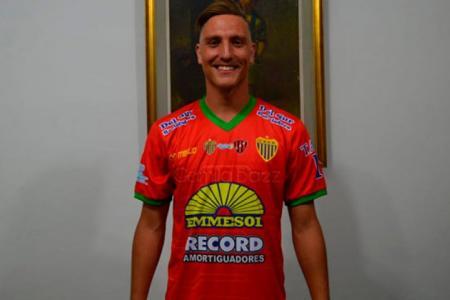 Fútbol: el paranaense Lisandro Mitre seguirá atajando en Deportivo Laferrere