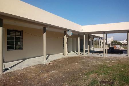"""""""Con financiamiento nacional estamos ejecutando la construcción del nuevo edificio de la Técnica N° 4 Pablo Broese, de Larroque, la cual se encuentra en obra y representa una inversión de más de 40 millones de pesos"""", dijo Richard."""