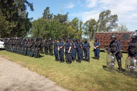 operativo policial Casa Nueva