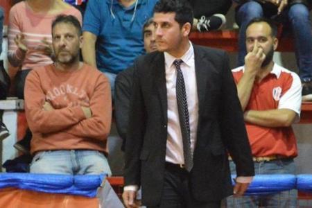 Mariano Panizza seguirá siendo el entrenador de Central Entrerriano