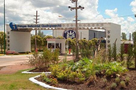 Una falla en la línea de alimentación al Parque Industrial de Gualeguaychú, será reparada hoy, pero se anticipó que igualmente quedará afectada por varias horas una gran zona de esa localidad.