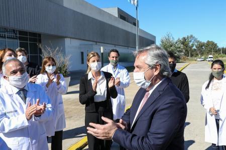 """Imagen de archivo: Alberto Fernández reiteró su """"gratitud"""" a quienes se desempeñan en el sistema de salud"""