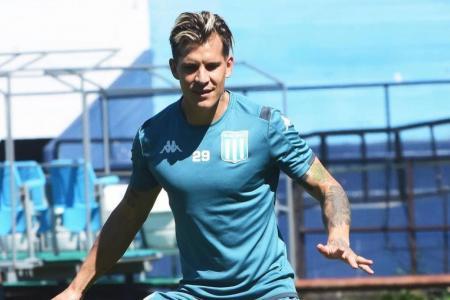 La presencia del entrerriano Nicolás Reniero está en duda para el debut de Racing