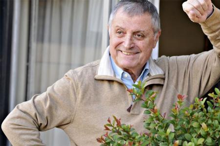 El comediante Gino Renni murió a los 78 años al complicarse el cuadro de coronavirus.