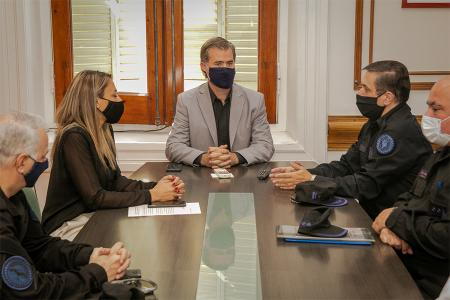 El encuentro abordó la posibilidad de contar con un edificio en el ex Frigorífico para que se instale una delegación de la Policía Federal Argentina en Gualeguaychú.