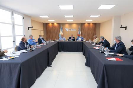 En La Rioja el Presidente reunió a los gobernadores del PJ, de los cuales participaron algunos de manera presencial y otros virtual.