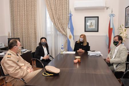Rosario Romero con autoridades fuerzas federales