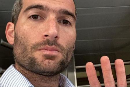 Rodrigo Sbarra habría trabajado hasta el 9 de diciembre en la oficina donde se hallaron el sobre con los diez mil dólares.