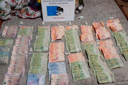 Tan solo en Federal se secuestraron 149.630 pesos, además de drogas y otros elementos de interés para la causa por narcomenudeo.