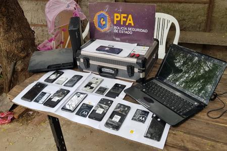 En los procedimientos se secuestraron equipos informáticos y celulares y demás soportes. Además, se identificaron a las personas involucradas