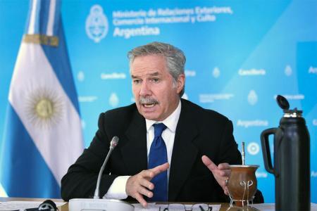 El excanciller Felipe Solá decidió no participar de la Cumbre de la Celac.