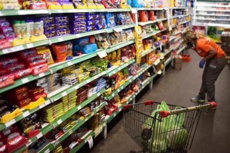 Las ventas en supermercados registraron en agosto su mayor suba anual en 15 meses