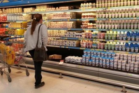 """Supermercados piden """"compromiso"""" a sus proveedores para cumplir congelamiento de precios"""