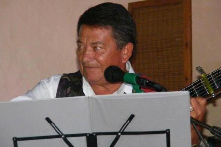 Tachuela González