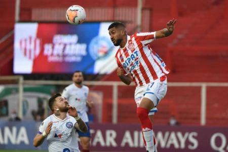 Unión de Santa Fe no pudo romper el cero y quedó eliminado de la Copa Sudamericana