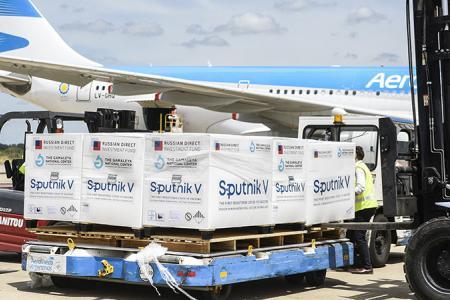 Aerolíneas Argentina avión vacuna rusa
