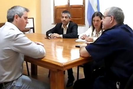 José Luis Walser con el jefe Departamental de Policía
