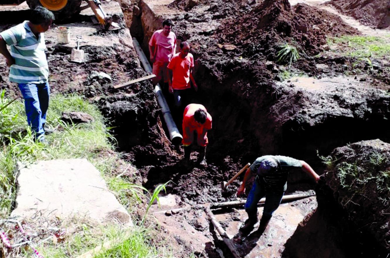 trabajos conexión agua Paraná