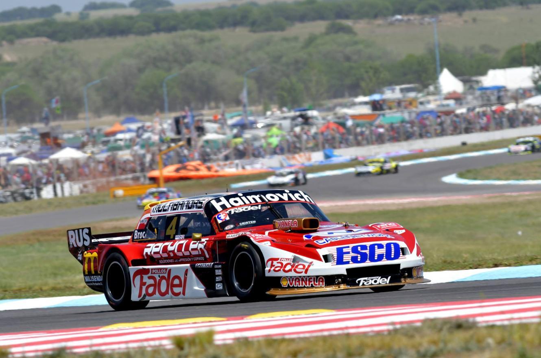 Mariano Werner viajó con dos motoristas a la definición del Turismo Carretera
