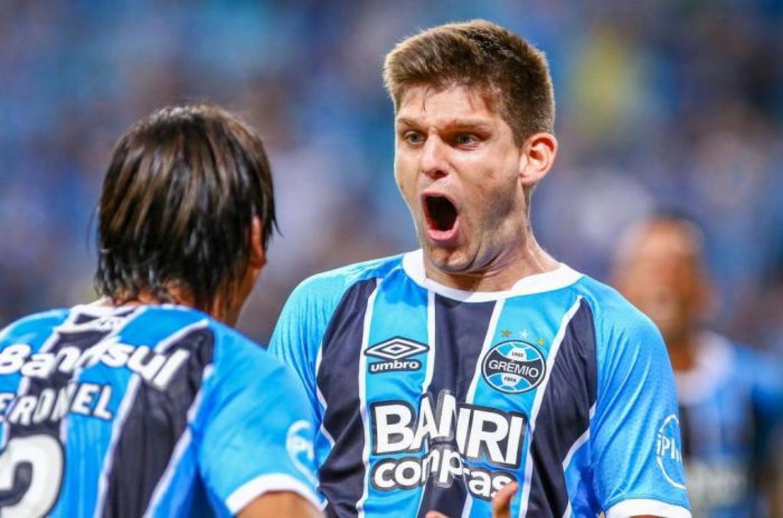 """""""No le cierro las puertas a ningún club de Argentina"""", expresó el entrerriano Kannemann"""