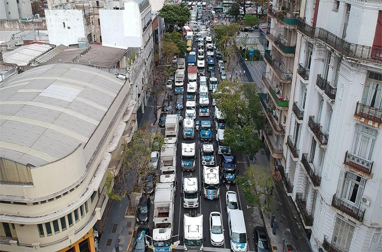 La caravana fue impulsada por los integrantes del Frente Sindical para el Modelo Nacional (Fresimona).