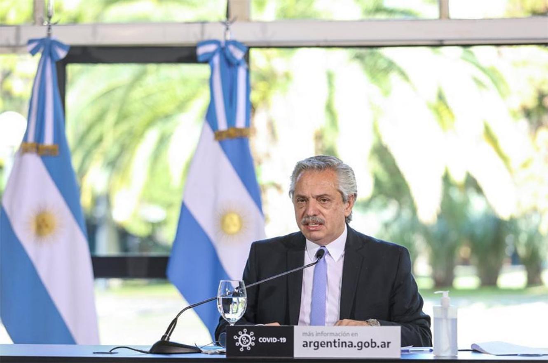 Alberto Fernández cuando realizó el anuncio desde la Quinta de Olivos sobre la nueva cuarentena que regirá en el país.