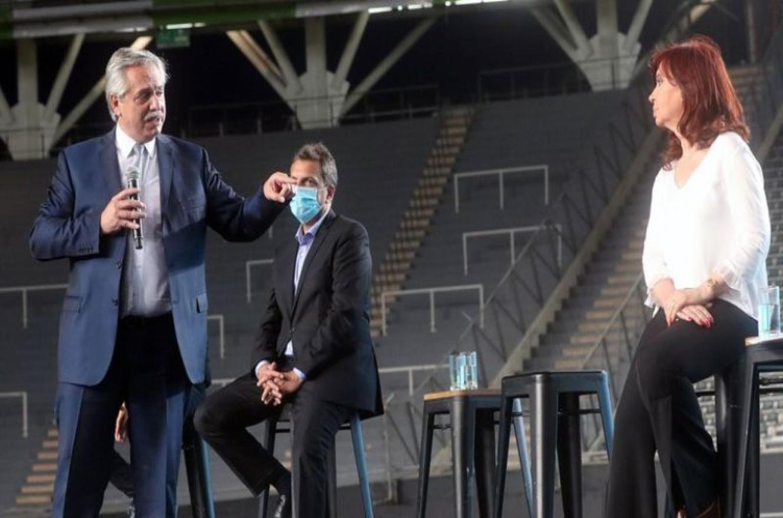 Alberto Fernández, Cristina Kirchner y Sergio Massa