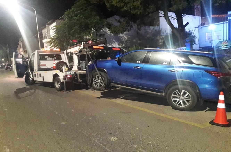 La conductora de una camioneta Toyota SW4, de 38 años, fue identificada y quedó supeditada a la causa. El vehículo fue retenido.