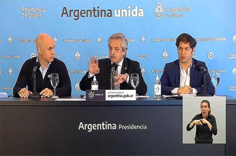 El Presidente Alberto Fernández brindó una conferencia de prensa desde la Residencia de Olivos. Estuvo acompañado por el gobernador bonaerense, Axel Kicillof; y el jefe de Gobierno porteño, Horacio Rodríguez Larreta.