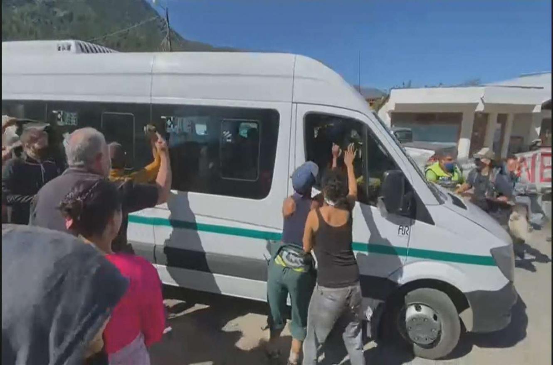 Detuvieron al menos a cinco personas por el ataque a Alberto Fernández en  Chubut   Análisis