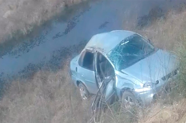 Falleció un hombre tras despistar y volcar su auto cerca de Ibicuy