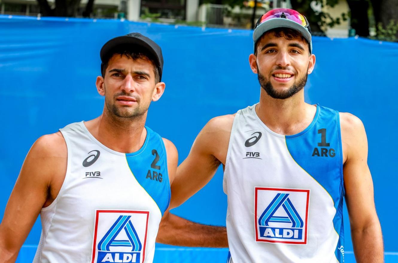 El entrerriano Julián Azaad debutó con una derrota en el Mundial de Beach Volley