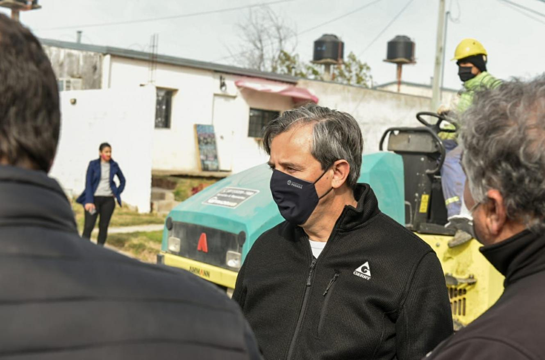 """Estamos recuperando Paraná"", dijo Bahl al recorrer obras de asfalto"