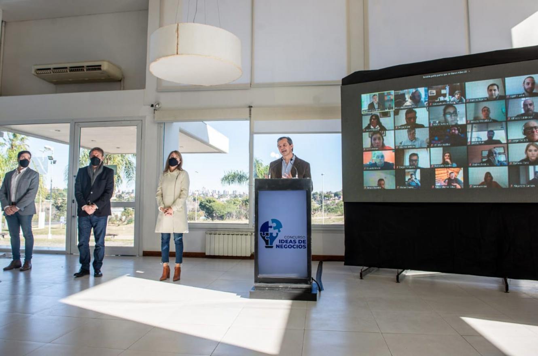 Bahl presentó el Concurso de Ideas de Negocios
