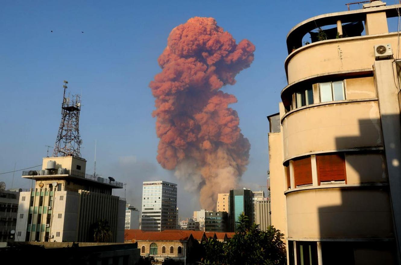 Al menos 73 muertos y 3700 heridos por una fuerte explosión en Beirut