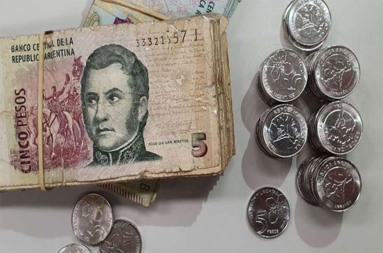 Hasta hoy, el billete convive con la moneda del mismo valor.