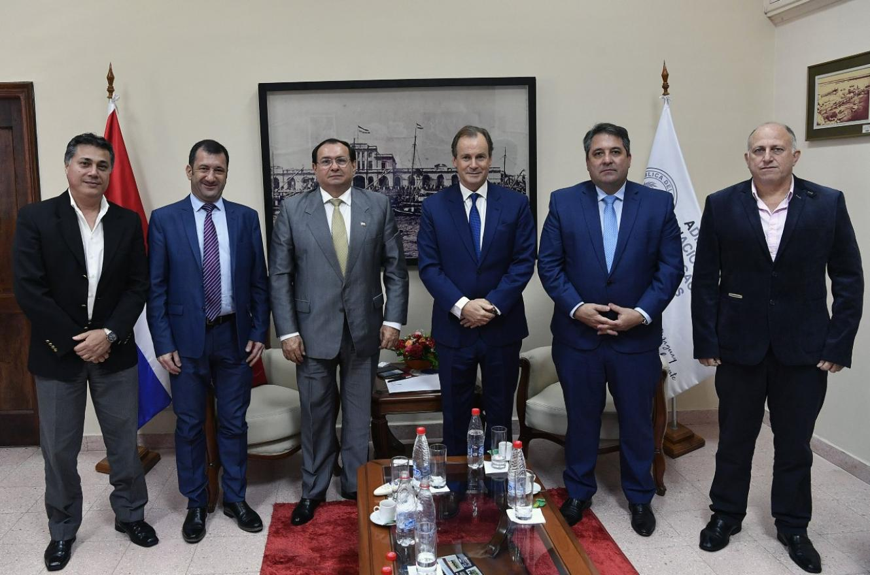 Reunión con autoridades portuarias de Paraguay