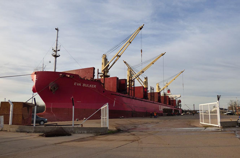 buque Eva Bulker