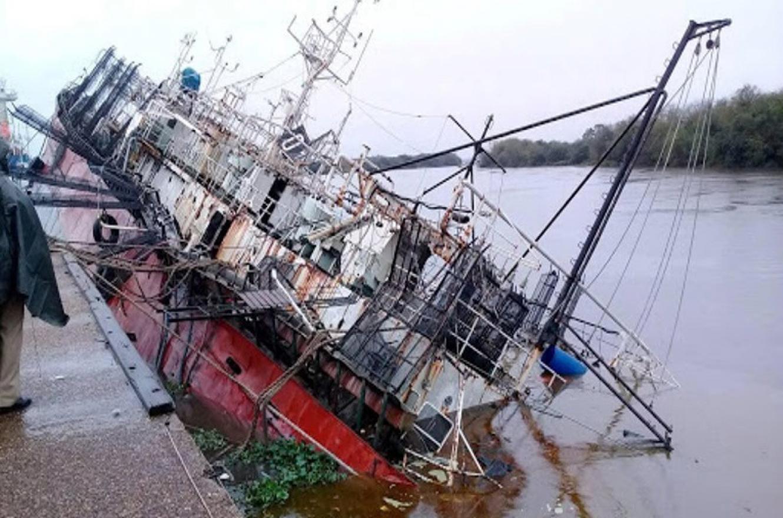 buque hundido Concepción del Uruguay