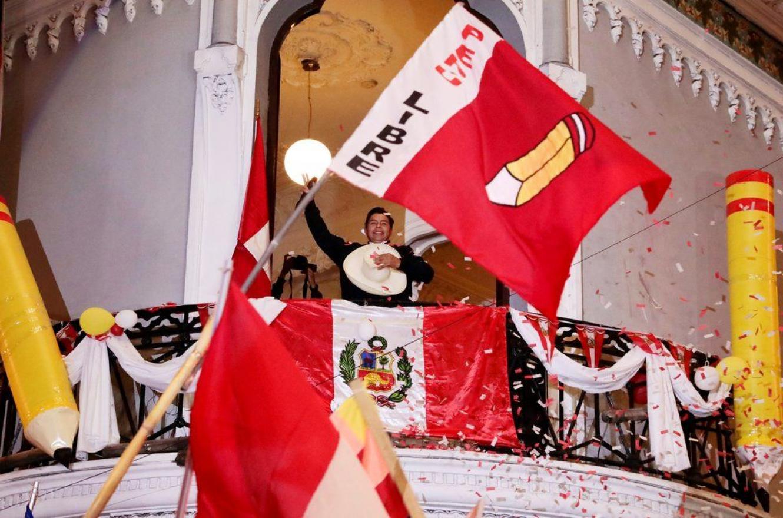 Pedro Castillo celebra las elecciones en Perú