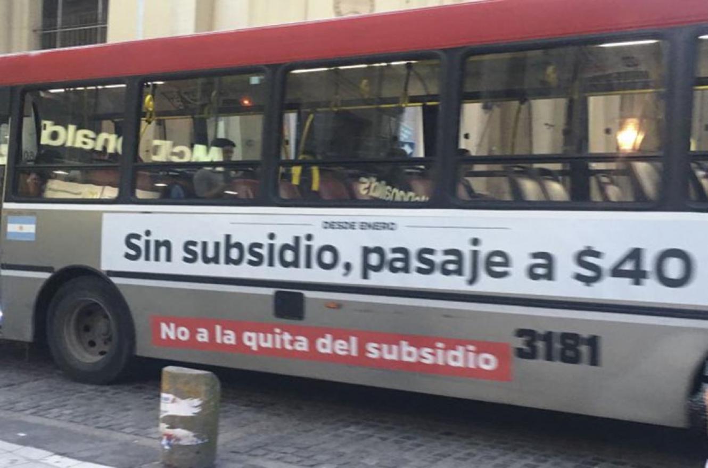 En el caso de Entre Ríos, el desembolso será de aproximadamente diez millones de pesos para abonar los cinco mil pesos a casi mil trabajadores del transporte interurbano provincial y beneficiará a Paraná, Concordia, Gualeguaychú, Concepción del Uruguay y La Paz.
