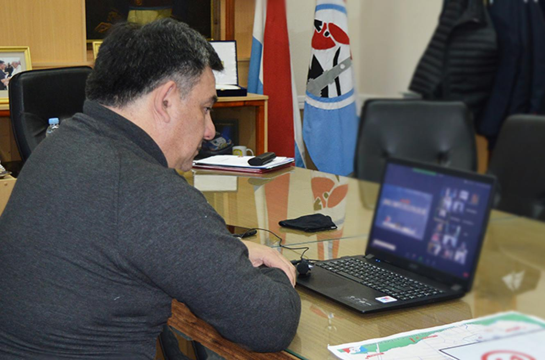 Martín Oliva reunión Comité para el Desarrollo del Río Uruguay