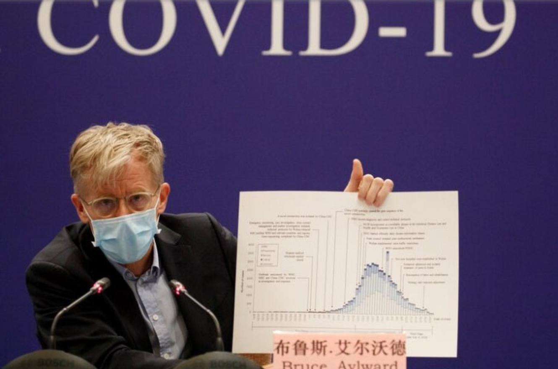 Bruce Aylward, jefe de la misión de la OMS en China